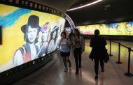 [FOTOS] Inauguraron la Vía Suecia en la estación Los Leones del Metro de Santiago