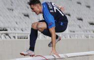 Deportes: Jugador cayó al foso de un estadio mientras celebraba un gol en la Europa League