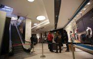 Seis enmascarados se llevaron al menos $40 millones en productos de tienda Gucci del Parque Arauco